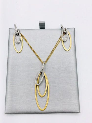 18k yellow Gold and Diamond Pendant and Earring set