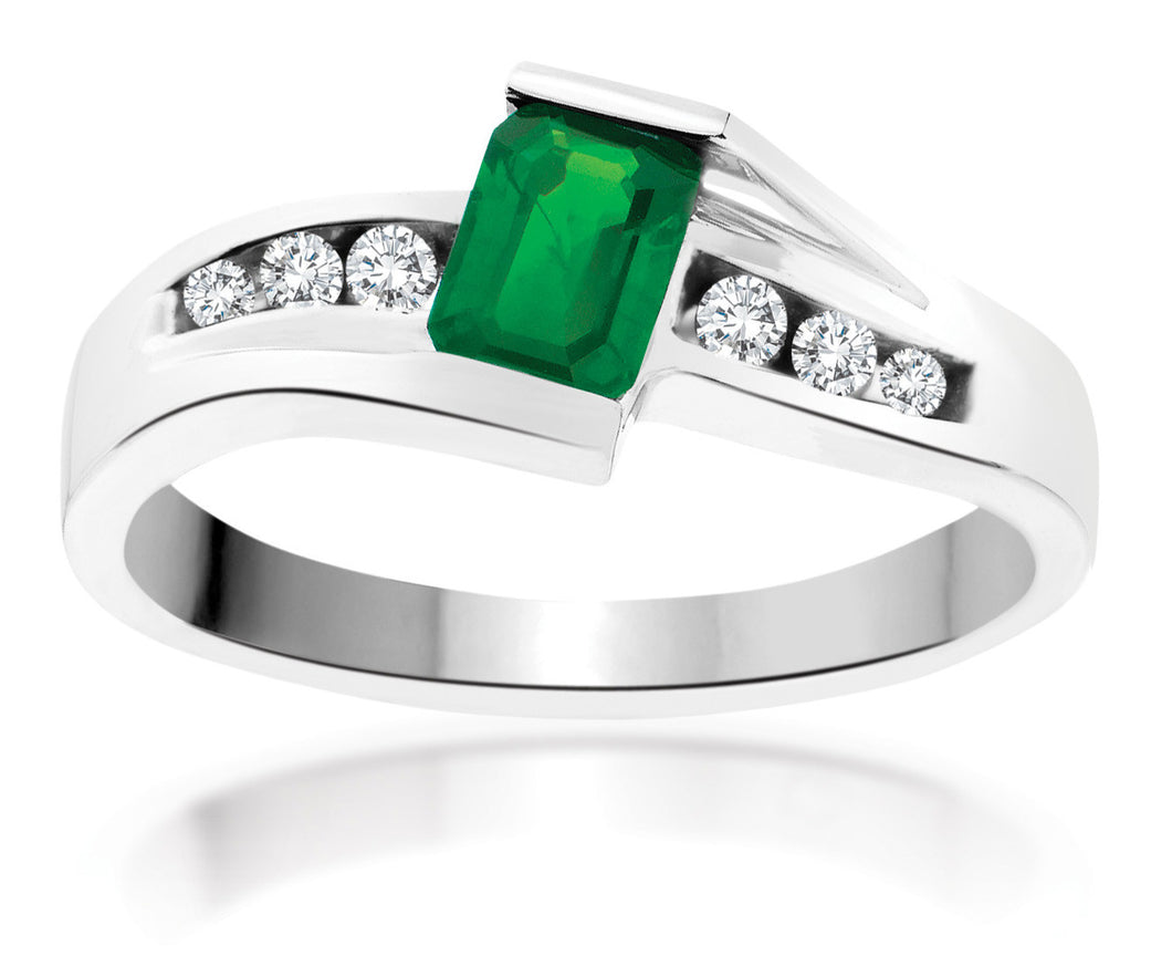 10Kt White Gold Emerald Diamond Ring