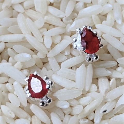 Carnelian Post Earrings~JCAREAR1