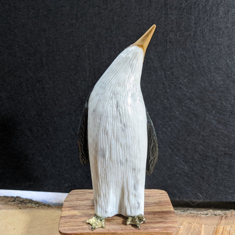 Onyx Penguin Carving~CROPEN01