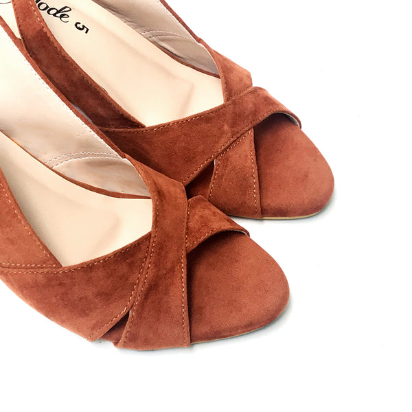 Sophisticate - Brown Suede