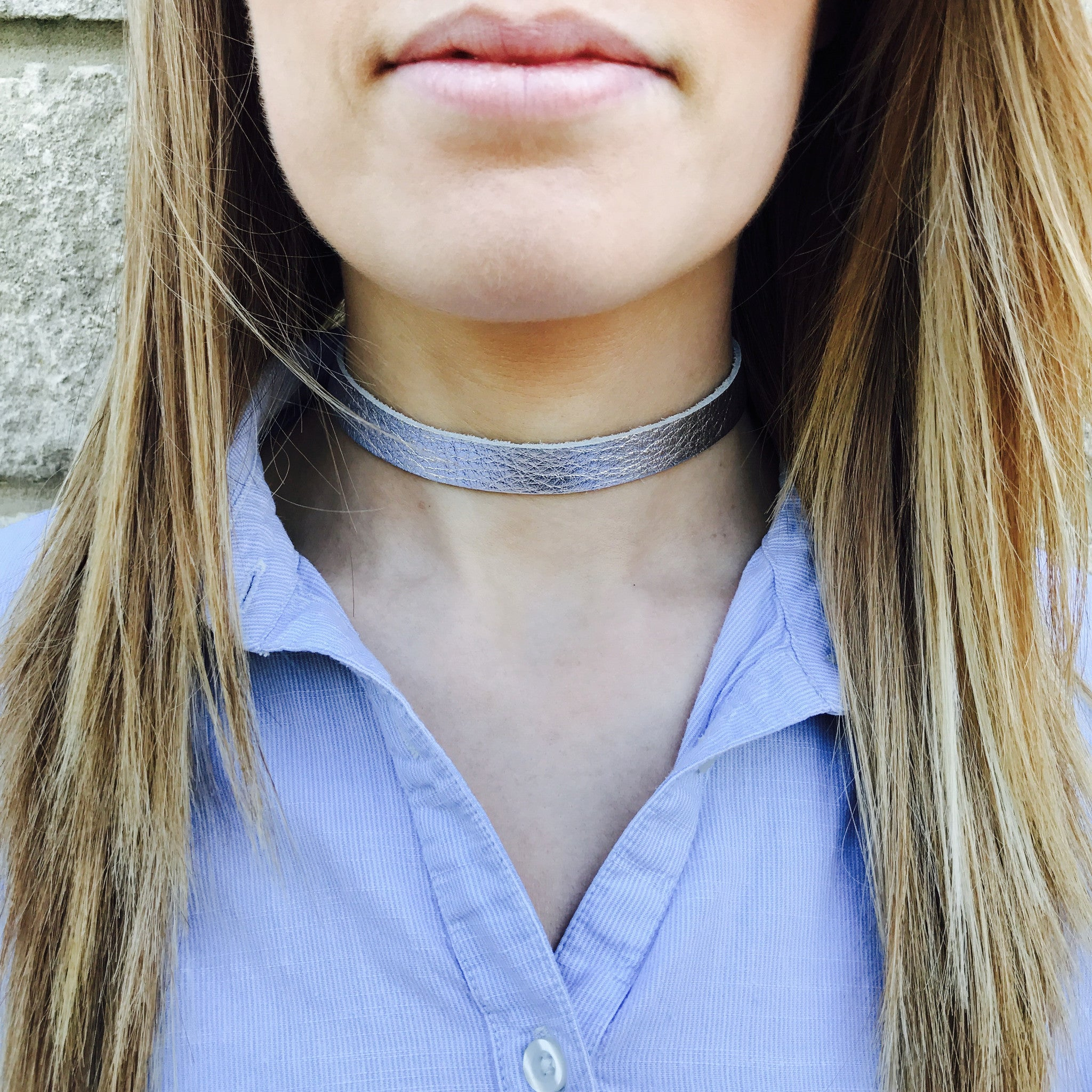 NEW IN - Leather choker - thin band - Silver