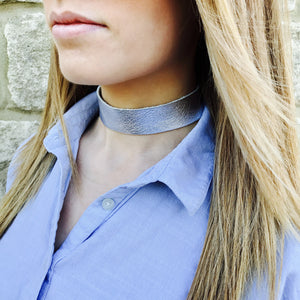 NEW IN - Leather choker - thick band - silver