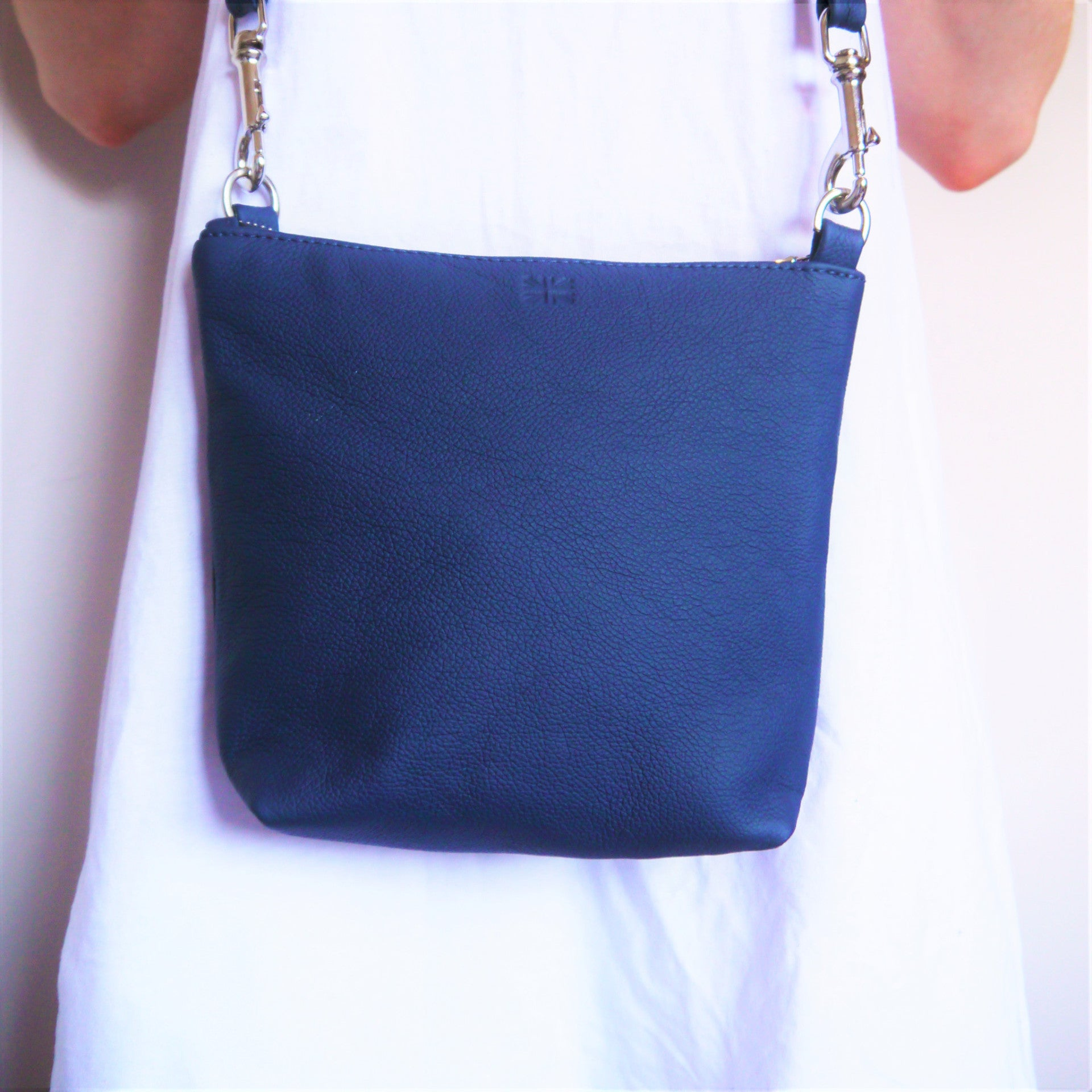 S/S 16 Daisy Across Body Bag - Navy