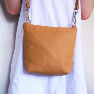 S/S 16 Daisy Across Body Bag - Tan