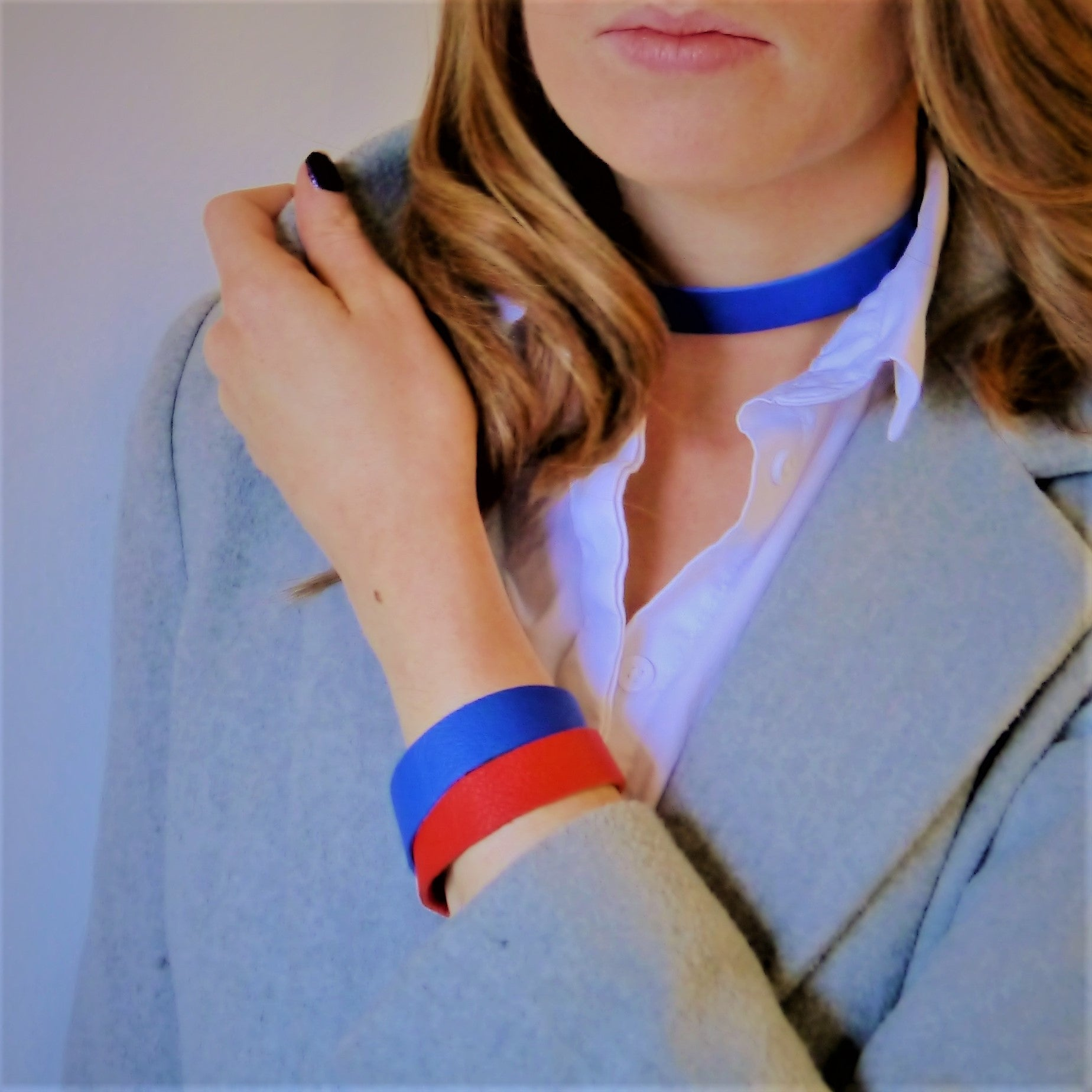 NEW IN - Leather choker - thin band - Blue