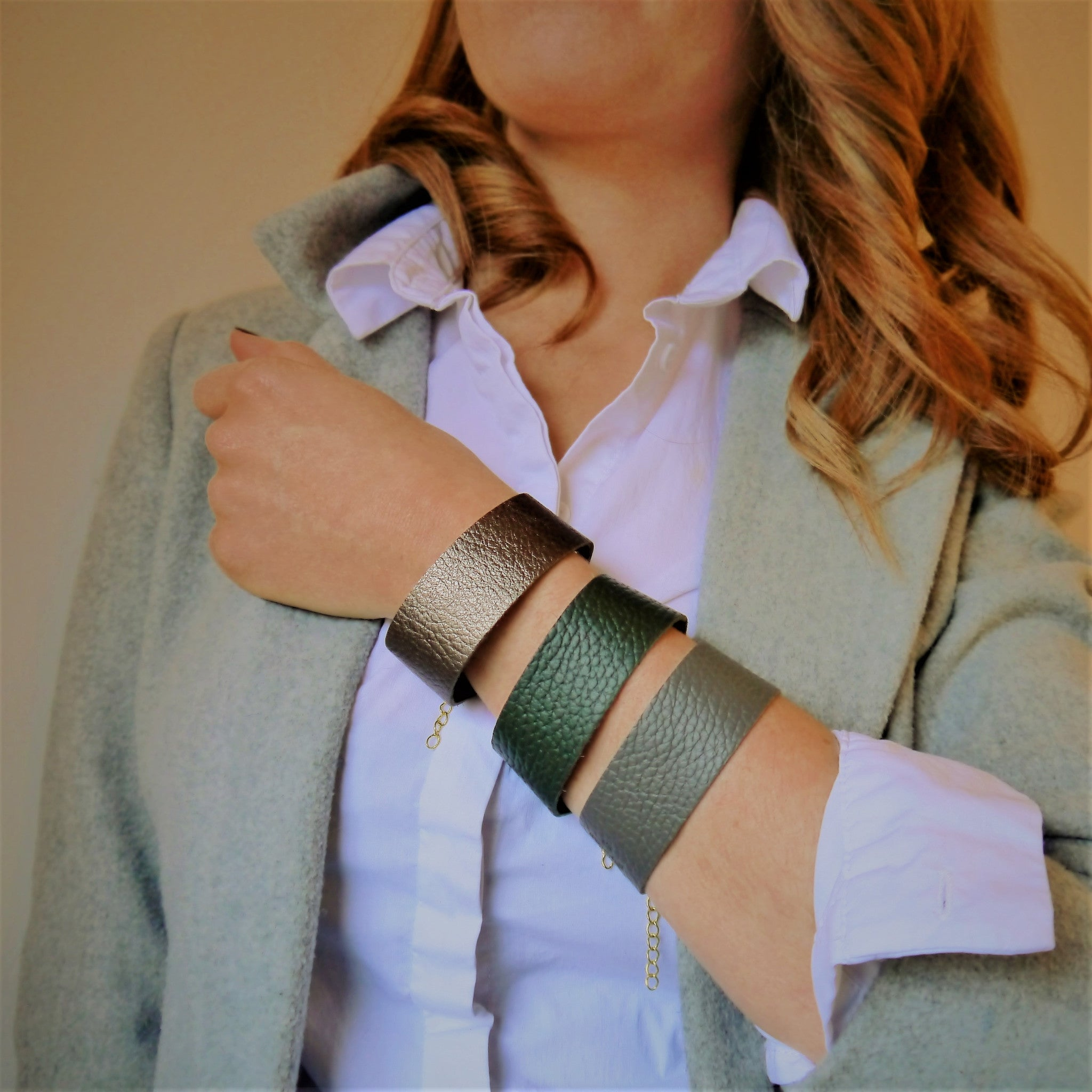 NEW IN - Leather bracelet - thick band - Grey