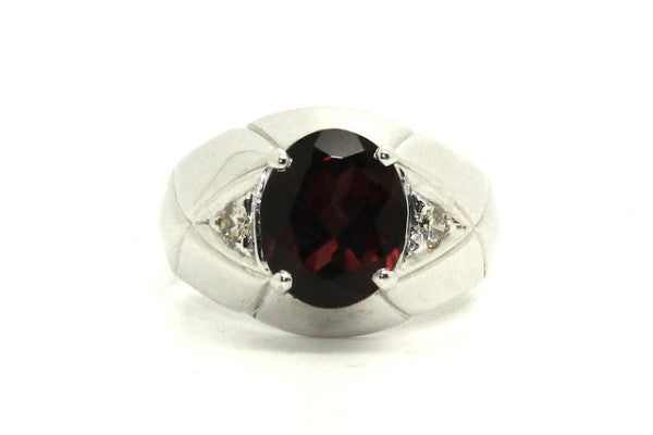 Garnet And Diamond Oval-cut Ring