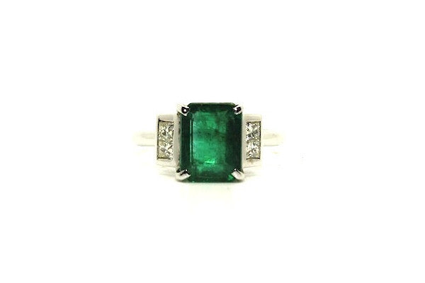 Emerald & Diamond Elegant Ring Ad No.0392