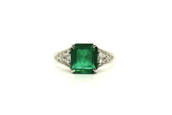 Emerald & Trillion Cut Diamond Ring Ad No.0470