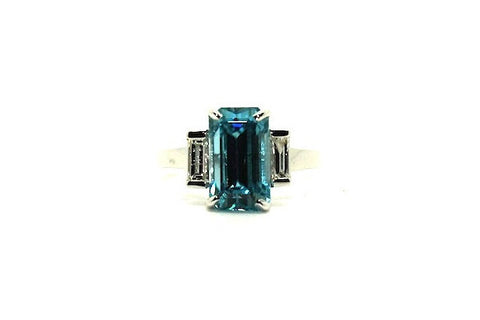 Blue Zircon And Diamond  Ring Ad No.0393