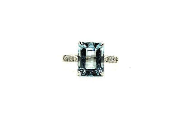 Aquamarine & Diamond Classic Ring Ad No.1141