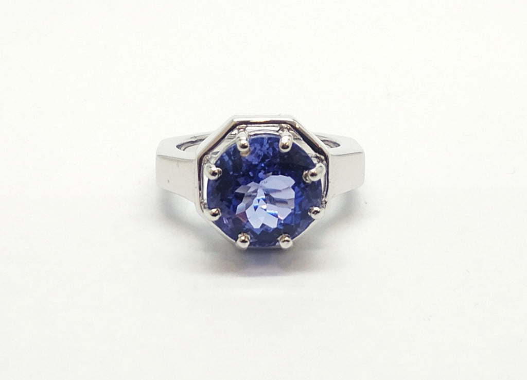 ROUND TANZANITE RING SET IN WHITE GOLD AD NO- 1848