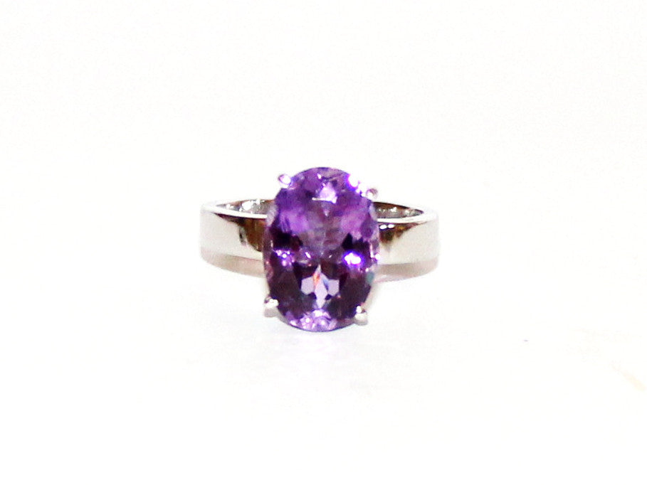 Amethyst Simple 4 Prong Flat Silver Ring
