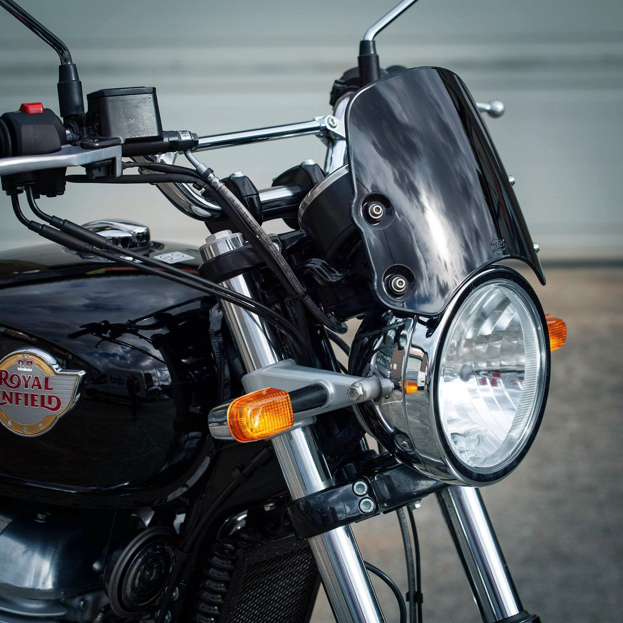 Royal Enfield Interceptor 650 - Piranha Midnight Black Piranha flyscreen Dart Flyscreen Windshield