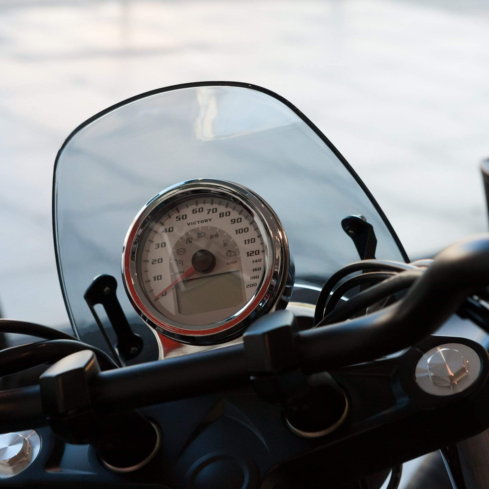 Victory round headlight - Classic Classic Flyscreen Dart Flyscreen Windshield