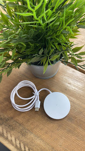 Wireless Charger With Unique Magnetic Design