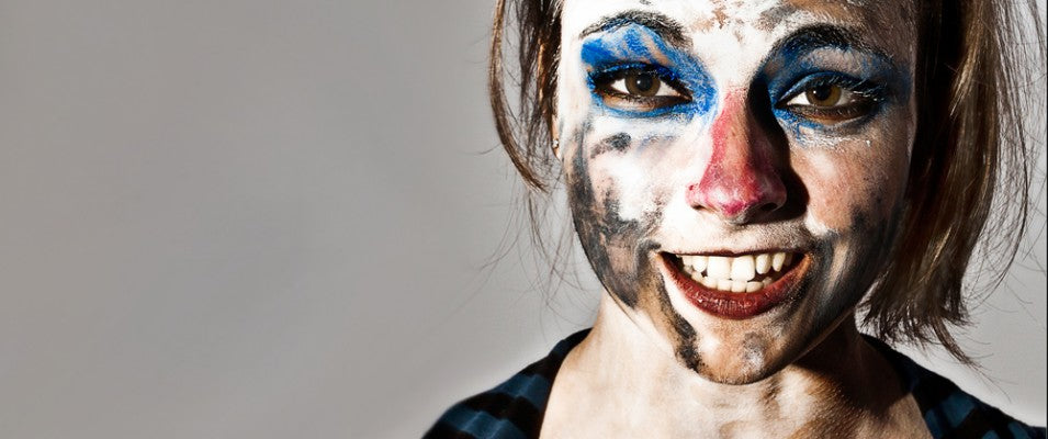 Here's 6 unfortunate yet hilarious casualties of makeup overdose. Number 5 is my personal favorite!