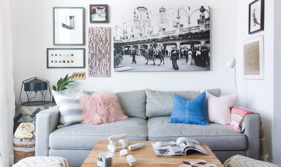 New York Style Apartment Tips: White Wall and Natural Wood