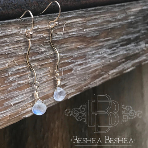 Spiral Gold Filled Rainbow Moonstone Earring by Zaimukensyu
