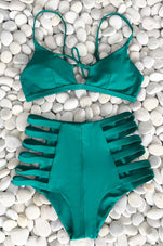 Cupshe Come See Me Strappy Bikini Set