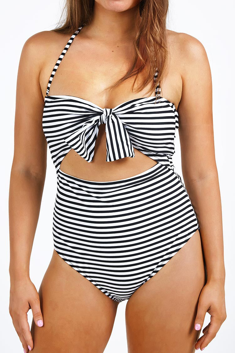 Cupshe Neat As a Prinstripe Halter One-piece Swimsuit