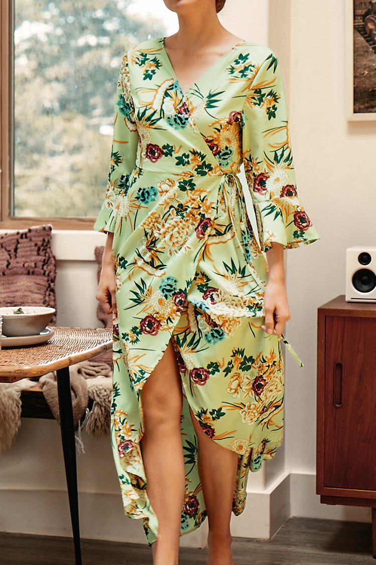 Floral and Leafy Print V-Neck Dress