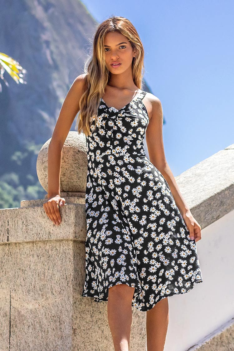 Sweet Daisies Midi Dress