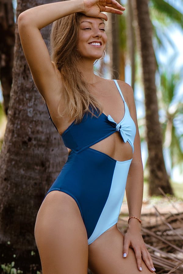 Colorblock Tie Front One-Piece Swimsuit