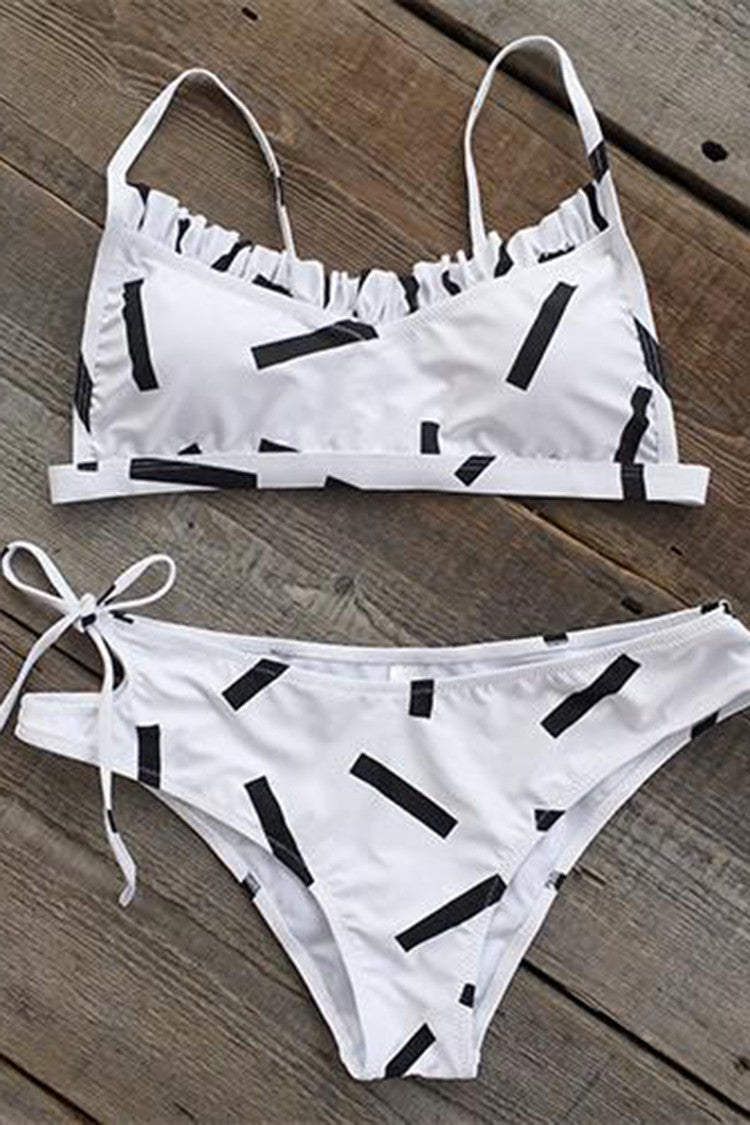 Cupshe Simple Minds Falbala Bikini Set