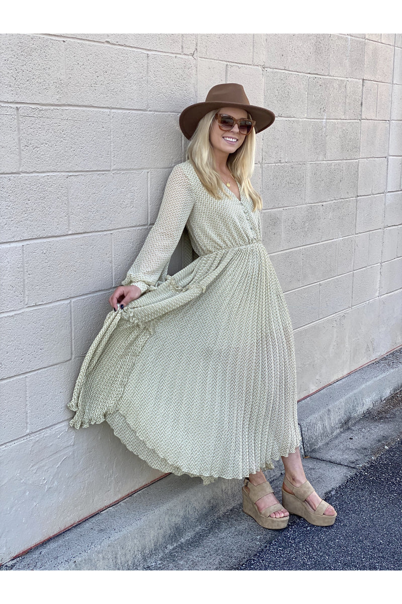 Pleated Light Green Boho Maxi Dresss