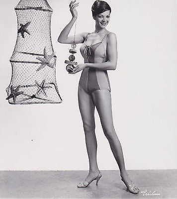 NANCY WESTBROOK VINTAGE 1950s BEACH SWIMSUIT MODEL VINTAGE HIGH FASHION  PHOTO - K-townConsignments