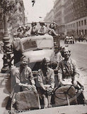 JEEP TRUCK FULL OF WAC MILITARY WOMEN IN UNIFORM VINTAGE WWII SNAPSHOT PHOTOS - K-townConsignments