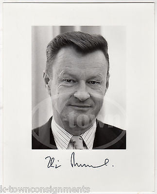 ZBIGNIEW BRZEZINSKI NATIONAL SECURITY ADVISOR AUTOGRAPH SIGNED WHITE HOUSE PHOTO - K-townConsignments