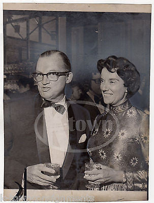 W. PALMER FULLER & ESTHER PIKE SCIENCE MUSEUM FUNDRAISER NEWS PRESS PHOTO 1972 - K-townConsignments