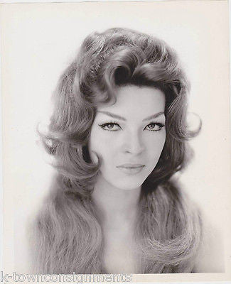 NANCY WESTBROOK 1950s-60s FASHION MODEL HAIR STYLING VINTAGE STUDIO PHOTO - K-townConsignments