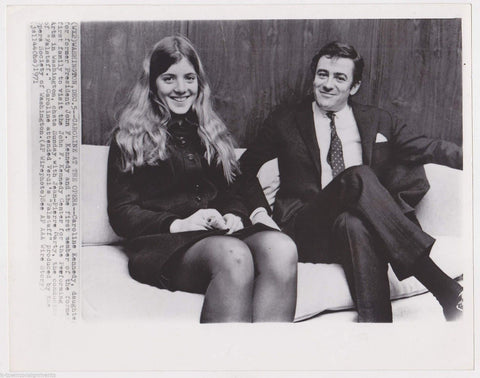 YOUNG CAROLINE KENNEDY W/ JEAN-PIERRE MARTY OF FALSTAFF VINTAGE NEWS PRESS PHOTO - K-townConsignments