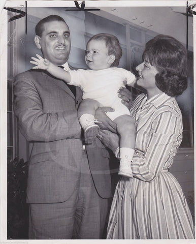 THOMAS GABOR WIFE PIROSKA & BABY BOY GREGORY GABOR VINTAGE NEWS PRESS PHOTO - K-townConsignments