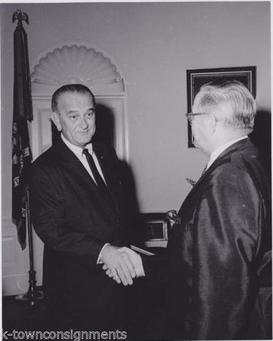 PRESIDENT LYNDON BAINES JOHNSON VINTAGE WHITE HOUSE PRESS PHOTO - K-townConsignments