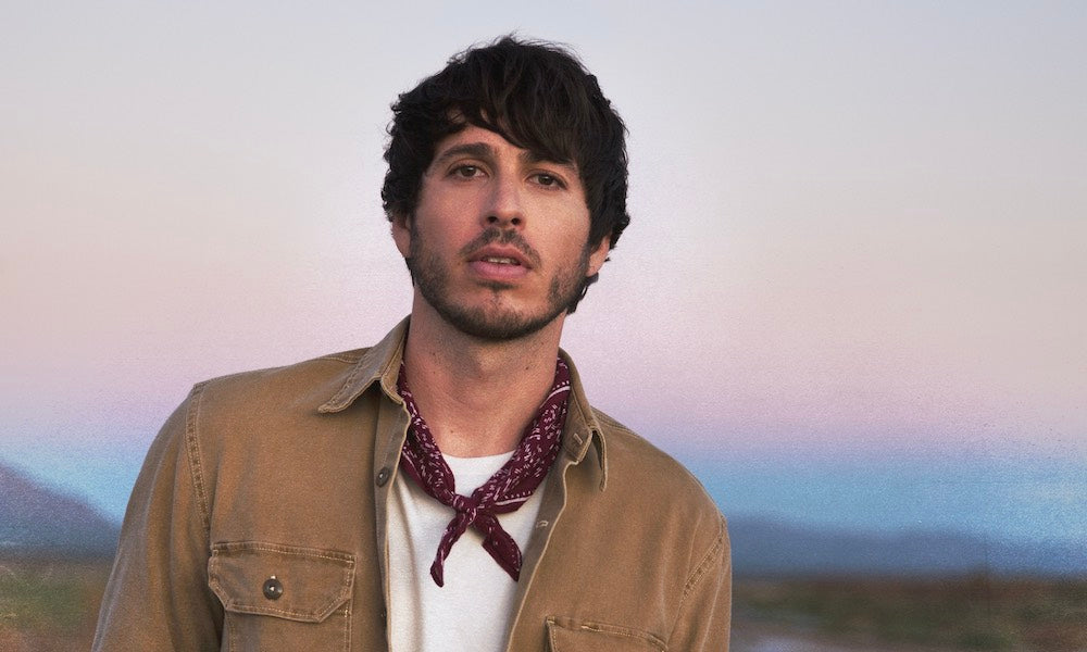 MORGAN EVANS SHINES WITH BRAND NEW SINGLE