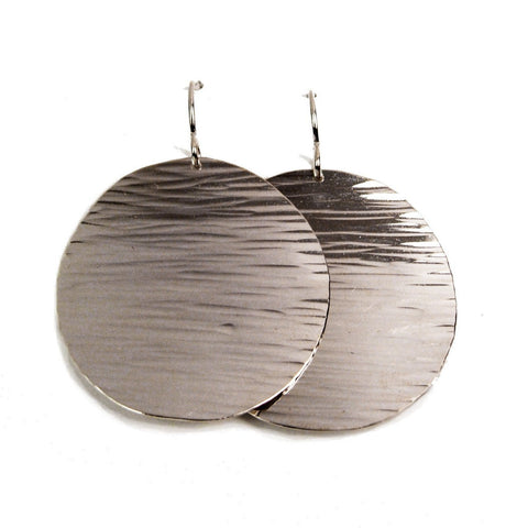 Sun Disc Earrings (hammered line texture)