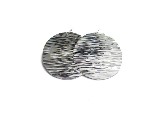 Big Sun Disc Earrings in lined pattern