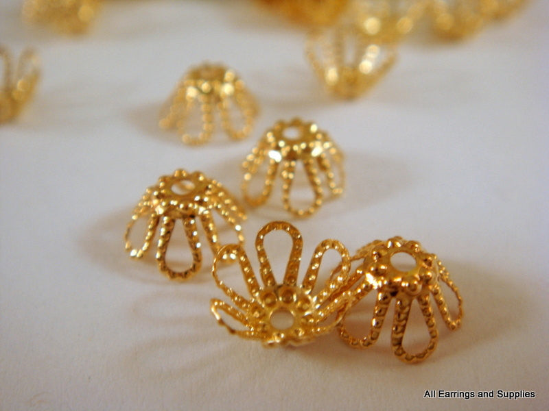 Gold Bead Caps, Small Flexible Flowers 7mm - 25 pcs. - 1118-10