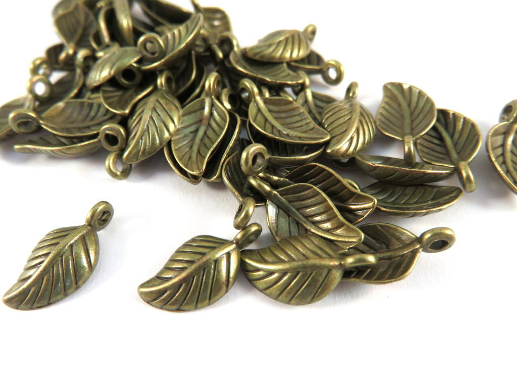Antique Bronze Charms, Small Detailed Leaf Drops LF 15x8mm - 25 pcs. - M7022-AB25