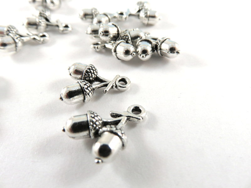 Antique Silver Charms, Double Sided Acorns 3D Drops 15x11mm - 10 pcs. - DC3024-AS10