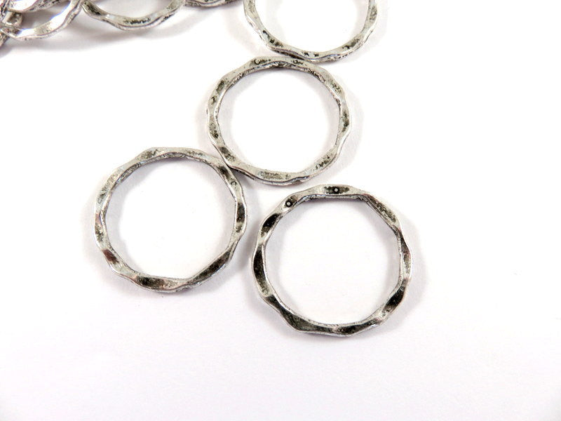 Antique Silver Connectors, Round Hoops, Hammered Look Ring Links 22x1.5mm - 12 pcs. - F4185LK-AS12