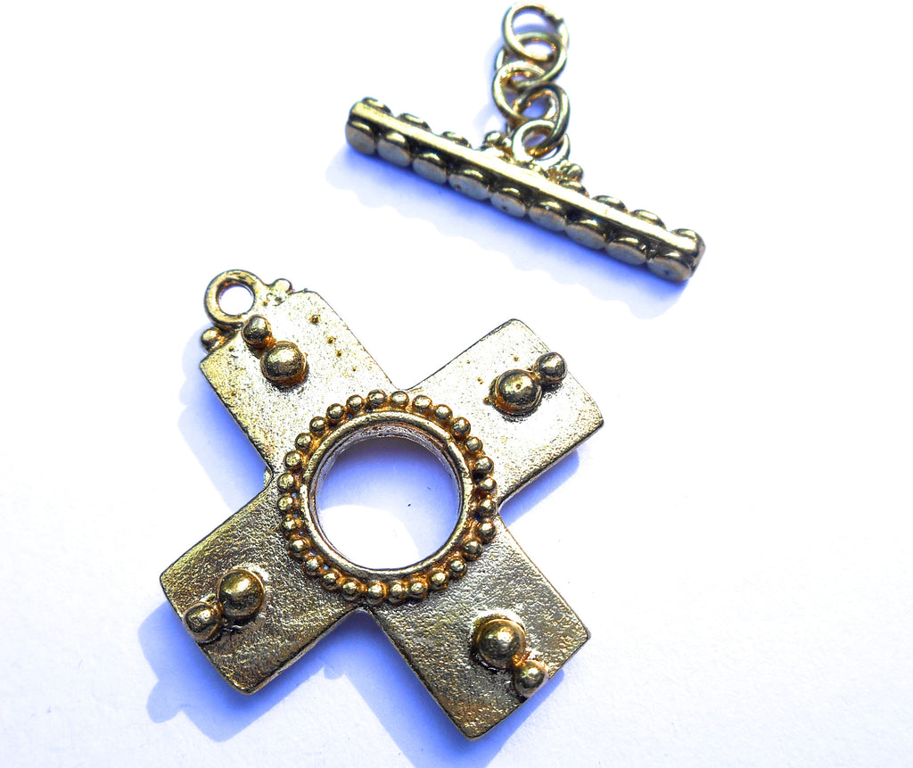 Cross Pattern Toggle Clasp