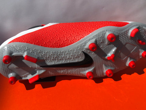 Nike - Phantom VSN Dynamic Fit Firm Ground Soccer Cleat