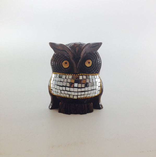 WDN OWL CARVED W/GLASS 4""