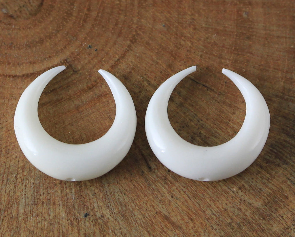 Taurus Symbol Double Horn Bead 15mm TOP DRILLED Hand Carved Water Buffalo Bone Bohemian Jewelry Crescent Wholesale, Custom Order B287